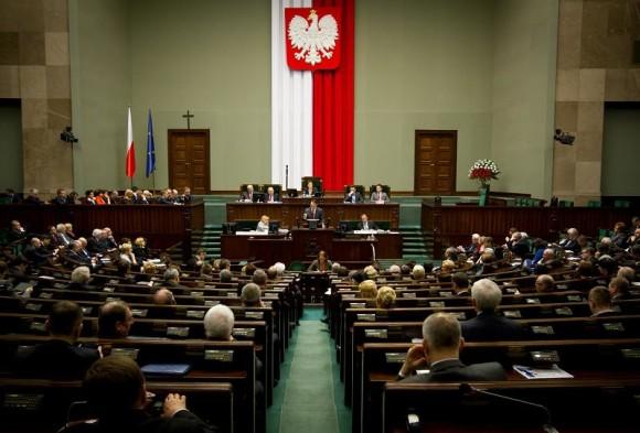 Poljska: Preferencijalno glasovanje pomaže da više žena bude izabrano u parlament