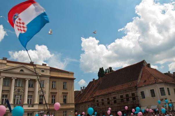 U ime obitelji saborskim zastupnicima: Od ministra Bauka zatražite jasnu informaciju o točnom broju birača u RH