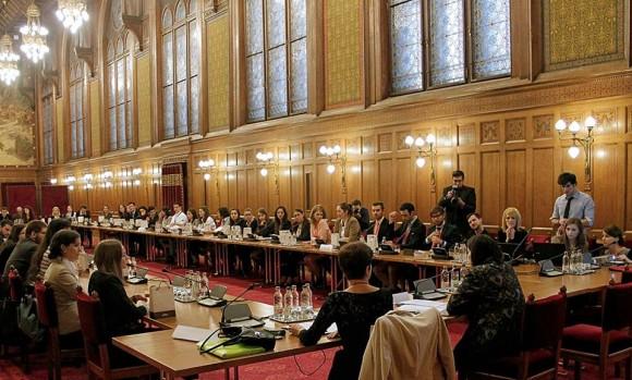U ime obitelji na raspravi o obiteljskoj politici u mađarskom parlamentu: 'Mađarska vjeruje u obitelj kao građevnu jedinicu društva'