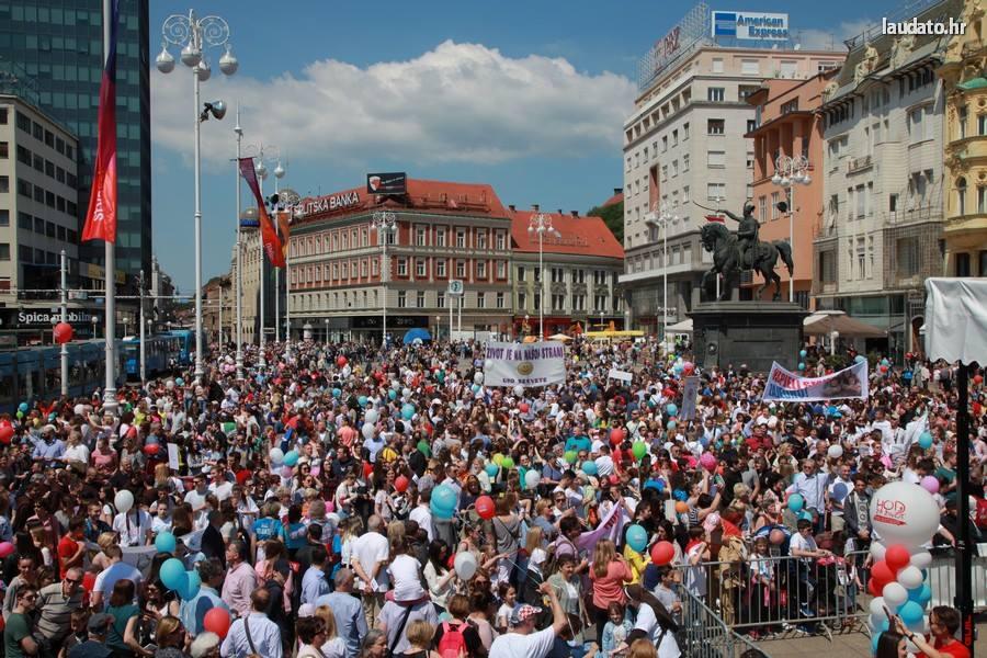 (VIDEO) Pogledajte što se pjevalo i skandiralo u Hodu za život, obitelj i Hrvatsku