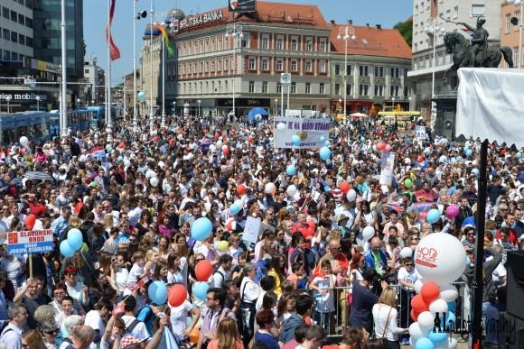 Ivo Džeba: Kad dvije aktivistkinje uspiju zaustaviti 15.000 ljudi – onda je jasno da su to najpitomiji ljudi na svijetu