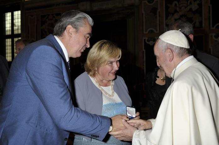 """(FOTO) Papa Franjo: """"Napredak društva počiva na obitelji!"""""""