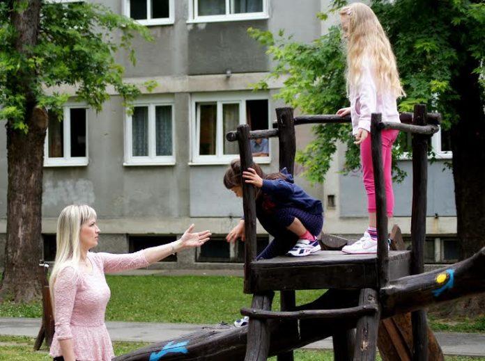 Klementina Šuljug odgovara na vaša pitanja: Šetnje s djecom – kako reagirati na dječje 'hirove'?