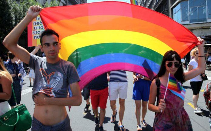 Zagreb pride i Trans Aid traže da 'muškarci koji se osjećaju kao žene' mogu biti prihvaćeni u skloništa za žene