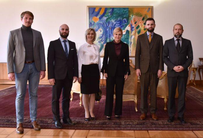 Predsjednica Grabar-Kitarović primila predstavnike GI Narod odlučuje koji su je zatražili da zaštiti referendum i pravnu državu