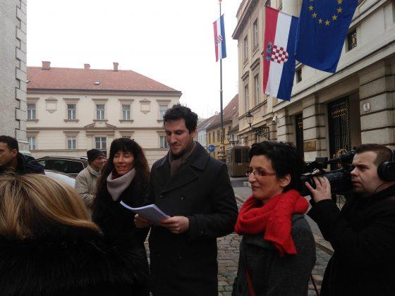 (FOTO, VIDEO) U ime obitelji: Zakon o financiranju stranaka je Plenkovićevo oružje protiv referenduma