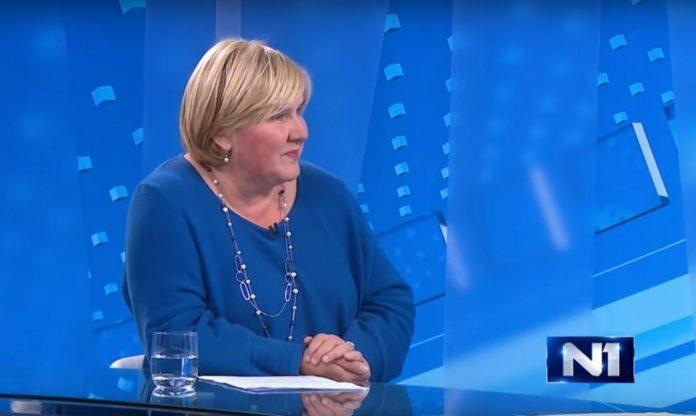 (VIDEO) Dr. Markić: 'Sjećajući se ubijenih u Borovu Selu, pitam se kako ljude koji danas vode Hrvatsku nije sram da tjeraju ljude iz Slavonije, da kradu i osiromašuju narod'