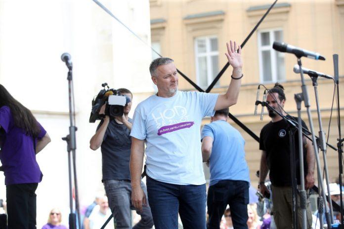 (VIDEO) Pogledajte nastup Marka Perkovića Thompsona na Hodu za život u Zagrebu: 'Odlučio sam ovome danu posvetiti nekoliko životnih pjesama'