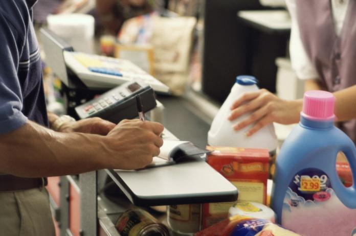 Većina trgovina radi na Dan neovisnosti – prisjetimo se prijedloga UiO kojim bi se radnicima omogućila neradna nedjelja i praznici