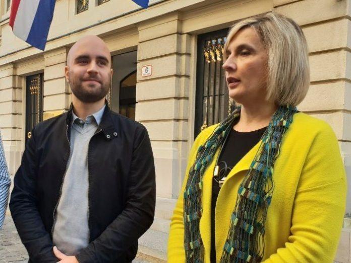 U ime obitelji: Zbog otežanog prava glasa, 2/3 manje Hrvata izvan RH izlazi na izbore