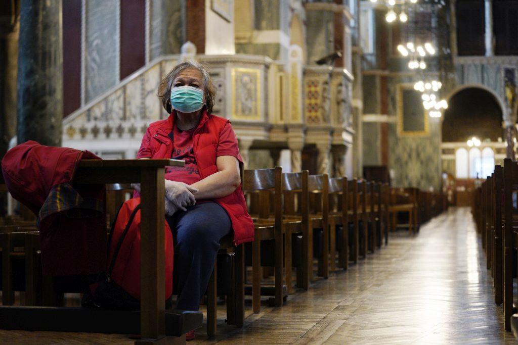 Biskupi u Francuskoj izborili se za ukidanje mjere o 30 vjernika u crkvi