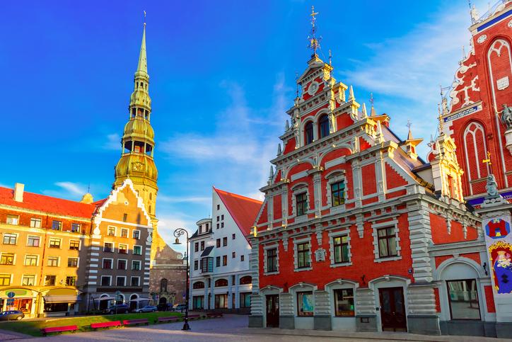 Latvija pokrenula postupak za ustavnu zaštitu braka po uzoru na Hrvatsku, Poljsku..