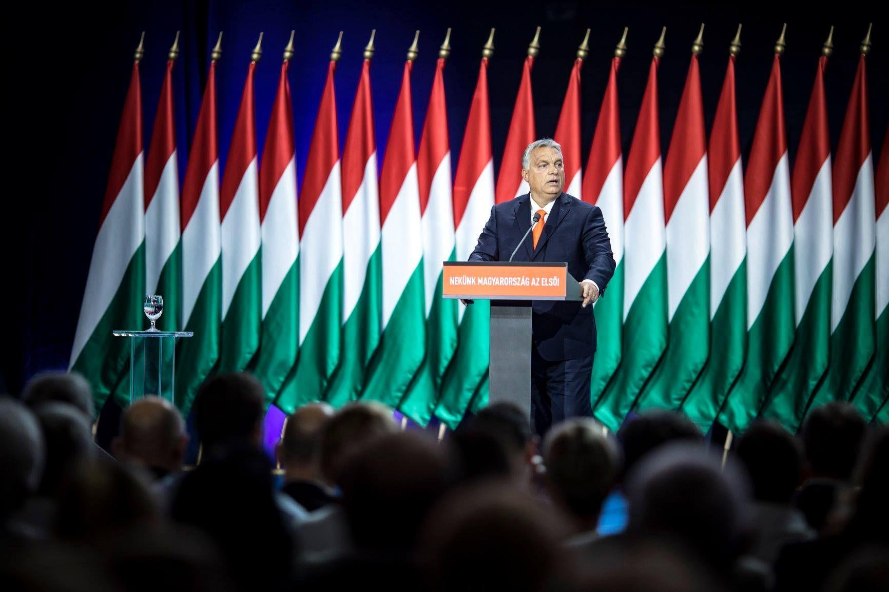 Orban: Roditelji s pravom očekuju da djeca ne budu izložena pornografiji i promociji homoseksualnosti