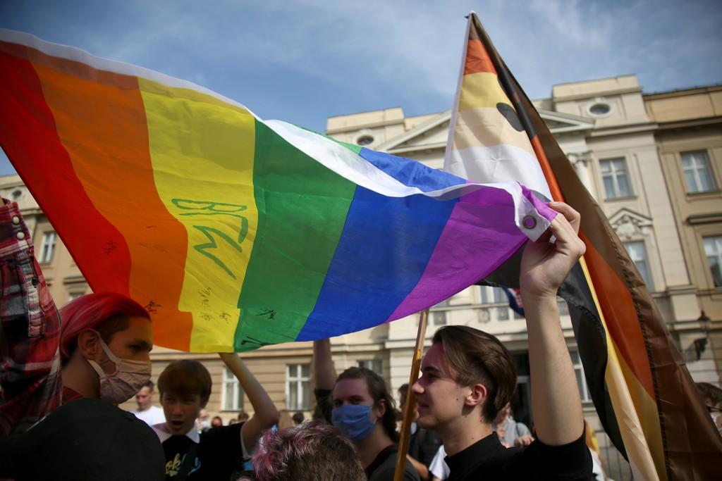 Rumunjska se pridružuje Mađarskoj: U pripremi je zakon o ograničenju LGBT propagande
