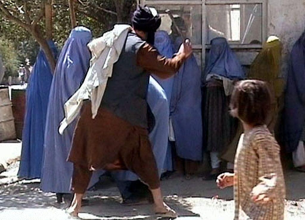 Progon kršćana u Afganistanu: Talibani idu od vrata do vrata, otimaju djevojčice i pogubljuju kršćane na licu mjesta