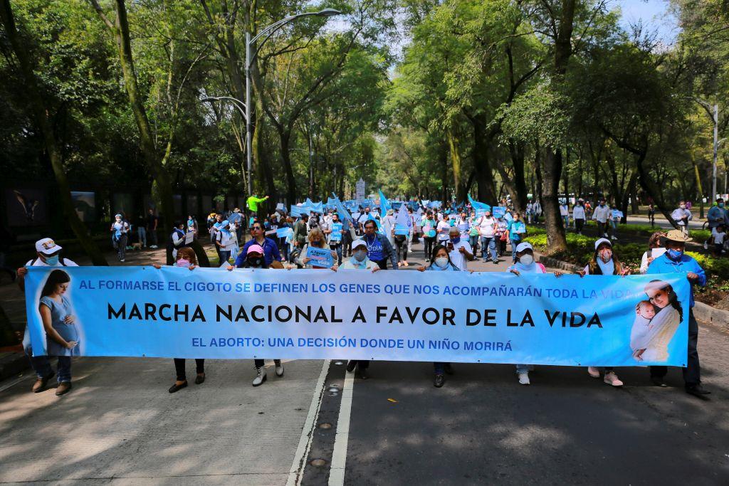 Meksiko: Tisuće ljudi na Hodu za život i žene nakon sporne odluke Vrhovnog suda